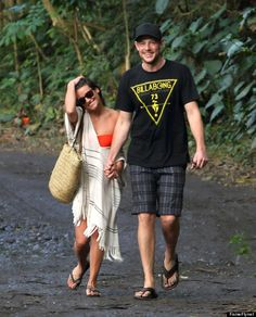 Lea Michele: Bikini Babe with Beau Cory Monteith!: Photo Lea Michele shows off her rockin' bikini body while hanging on the beach with her boyfriend Cory Monteith on Tuesday (January in Hawaii. The Glee… Rachel And Finn, Lea And Cory, Celebrity Couples, Celebrity News, Celebrity Photos, Celebrity Style, Glee Cory Monteith, Cory Glee, Glee Club