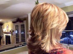 Best 11 Carmel and blonde hilite – SkillOfKing. Blond Rose, Medium Hair Styles, Curly Hair Styles, Carmel Balayage, Carmel Hair Color, Medium Shag Haircuts, Medium Layered Hair, Blonde Highlights, Great Hair