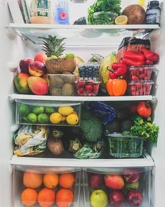 My healthy fridge full of plant based foods Healthy Fridge, Healthy Snacks, Healthy Eating, Healthy Life, Food Porn, Food Goals, Meals For The Week, Fruits And Veggies, Food Inspiration