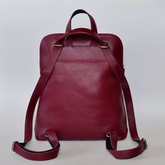 Large leather backpack / Women leather shoulder bag / por BlueDrop