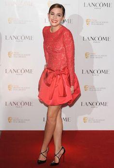 Emma Watson and the red dress ! Emma Love, Emma Watson Beautiful, Emma Watson Sexiest, Emma Watson Belle, Emma Watson Legs, Jessica Alba Dress, Emma Watson See Through, Seductive Women, Black Leather Dresses