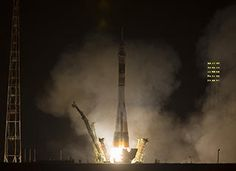 Expedition 35 Launch (click for larger version)