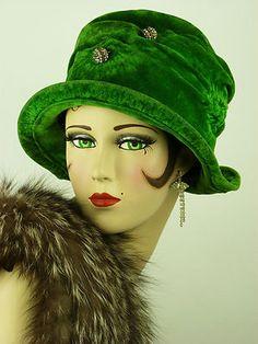 Vintage Hat 1920s All Original Art Deco Flapper Green Velvet Cloche Stunning   eBay