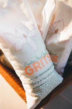 pretty grits as wedding favors