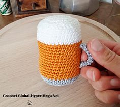 Here is 3 to 1 pattern for beer lovers. With this pattern, you can crochet : Crochet Food, Diy Crochet, Crochet Hats, Crochet Projects, Craft Projects, Pint Of Beer, Knit Patterns, Diy For Kids, Free Pattern