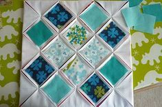 great step by step instructions for cathedral window block Más Cathedral Window Patchwork, Cathedral Window Quilts, Cathedral Windows, Square Patterns, Quilt Block Patterns, Quilt Blocks, Quilting Tutorials, Quilting Designs, Quilting Tips