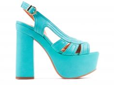 Sandálias em pele esmeralda