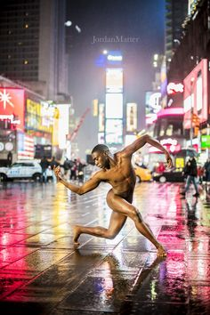 Chalrar Monteiro, Alvin Ailey American Dance Theatre, Times Square, New York City, USA | These Dancers Posed Naked In Public To Show We Shouldn't Fear Failure - BuzzFeed News