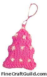 4 Free Knitting Patterns for Christmas Tree Ornaments
