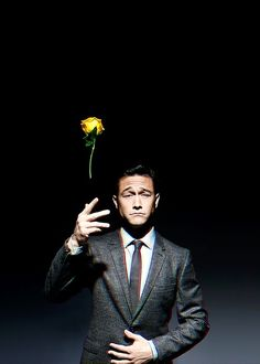 One of my favourite actors: Joseph Gordon Levitt Joseph Gordon Levitt, Pretty People, Beautiful People, Actrices Hollywood, Raining Men, Saturday Night Live, Photos Of The Week, Live Photos, Grace Kelly