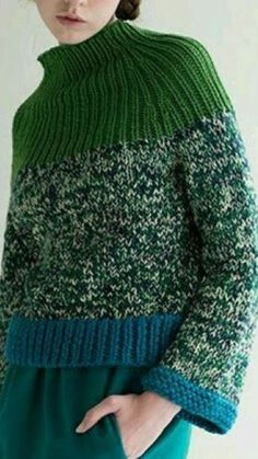 ------Sfilata Im Isola Ma Pullover Outfit Knitwear Fashion, Knit Fashion, Knitting Designs, Knitting Projects, Recycled Sweaters, Hand Knitting, Knitting Needles, Knitting Patterns, Crochet Patterns