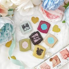 There's offer for a short time only where you can get six of the Benefit's best selling products in mini version! Beauty Stuff, My Beauty, Makeup Items, Benefit, Dandelion, Babies, Mini, Things To Sell, Products