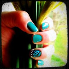 Monday Manicures: Butterfly Nails
