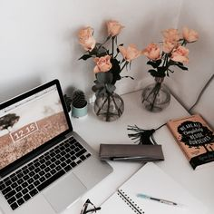 -currently reading- — 17•4 me: enjoys matching my flower, books, screens...