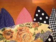 Vintage Hairstyles Tutorial Bluegingerdoll - Vintage inspired sewing patterns, sewing tips and tricks: Vintage inspired Pin up headscarf tutorial. Sewing Hacks, Sewing Crafts, Sewing Projects, Sewing Tips, Sewing Ideas, Headband Tutorial, Headband Pattern, Vintage Hairstyles Tutorial, Retro Hairstyles