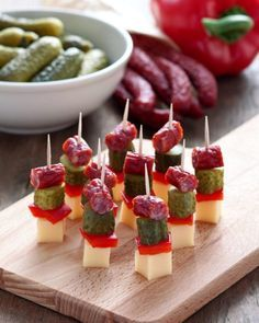 Finger Food Appetizers Savoury Finger Food Party Finger Foods Party Snacks Appetizers For Party Cocktail Party Food Cake Tasting Cold Meals Food Platters Savoury Finger Food, Finger Food Appetizers, Holiday Appetizers, Appetizer Recipes, Super Healthy Recipes, Healthy Foods To Eat, Healthy Snacks, Aperitivos Finger Food, Party Food Platters