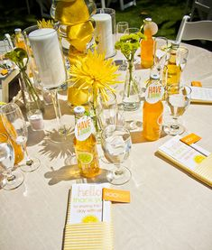 Charming & Modern: Citrus Splash Wedding via http://blog.hwtm.com/2011/08/citrus-splash-wedding/ (Clementine flavor featured)