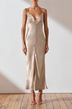 La lune bias slip dress - gold in 2020 Satin Dresses, Elegant Dresses, Sexy Dresses, Party Dresses, Dresses For Women, Summer Formal Dresses, Amazing Dresses, Dress Summer, Modest Dresses