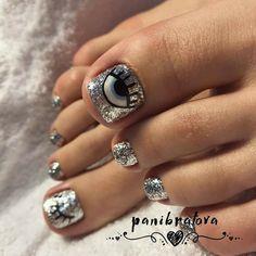 Sparkle Pedicure Design 2020 - The Best Sparkle Pedicure Ideas in the Photo Gallery Pretty Toe Nails, Cute Toe Nails, Fancy Nails, Love Nails, Gel Toe Nails, Feet Nails, Toe Nail Art, Feet Nail Design, Toe Nail Designs