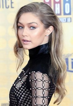 Gigi Hadid, plus her bronzed make-up and voluminous do, stepped out at the Guys Choice Awards this weekend and won you some serious Saturday night beauty inspiration