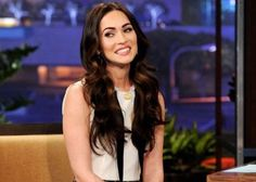 Megan Fox: 'Tonight Show With Jay Leno'!: Photo Megan Fox tapes an appearance on the Tonight Show With Jay Leno at NBC Studios on Monday (February in Burbank, Calif. The actress was on the program… Celebrity Hairstyles, Hairstyles With Bangs, Pretty Hairstyles, Megan Denise, Megan Fox Style, Celebrity Hair Colors, Long Brunette, Heart Hair, Clip In Hair Extensions