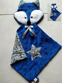 Doudou Carré head Blue Fox and Liberty: Games, soft toys, comforters by bb-bzh -. Baby Couture, Couture Sewing, Sewing To Sell, Sewing For Kids, Fabric Toys, Fabric Crafts, Sewing Toys, Sewing Crafts, Diy Bebe