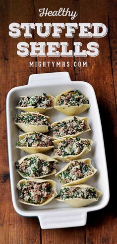 Healthy Stuffed Shells with Ground Turkey, Spinach and Ricotta - Top them with tomato sauce a Healthy Stuffed Shells, Spinach Stuffed Shells, Feeding A Crowd, Easy Weeknight Dinners, Healthy Family Dinners, Clean Eating Snacks, Slow Cooker, Spaghetti, Healthy Recipes