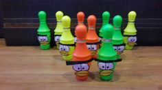 Bowling Pins Game - knock out the angry birds