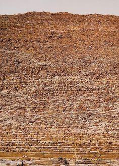 Andreas Gursky: Cheops Pyramid, Giza (2005)
