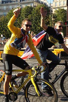 Bradley Wiggins Sean Yates Photo - Le Tour de France 2012 - Stage Twenty