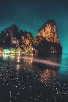 "captvinvanity: "" Tropical Northern Lights | Federico Penta"""