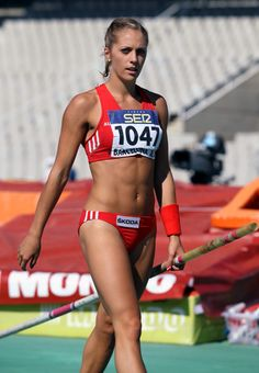 Athletic Girls, Athletic Models, Runners Legs, Pole Vault, Sports Uniforms, Track And Field, Female Athletes, Sport Girl, Sports Women