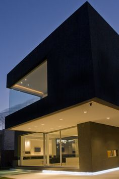 Most Beautiful Black House Architecture designed by Andrés Remy Architects (4)