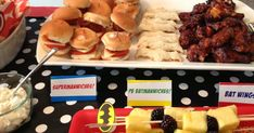 I'm pleased to share a client's photos from the Super Hero Birthday Party I helped with earlier this year!   This party was a perfect exampl...