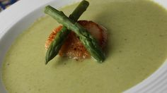 Put that fresh spring asparagus to good use in this creamy soup! Asparagus and onion are cooked in chicken broth, pureed, and combined with milk, sour cream, and a little fresh lemon juice. Creamed Asparagus, Fresh Asparagus, Asparagus Ideas, Korma, Biryani, Creamy Soup Recipes, Cream Of Broccoli Soup, Cream Soup, Cooking Recipes