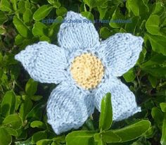 Flower knit pattern. NezumiWorld Blog: World Wide Knitting in Public Day.