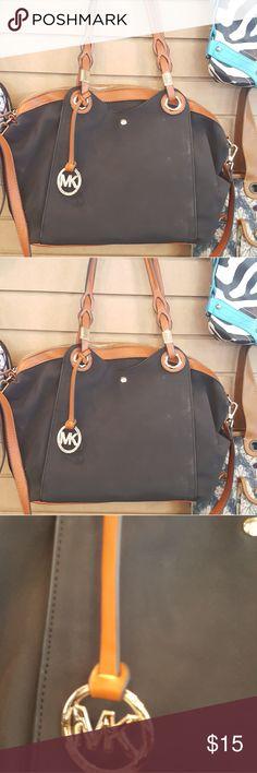 Nice shoulder bag Nice shoulder bag with parachute material Bags Shoulder Bags