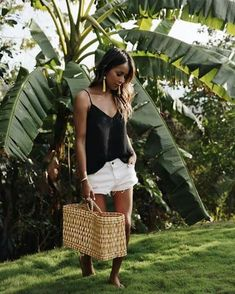 Trendy Fashion Summer Shorts Sincerely Jules Source by Kinalinas jules style summer Petite Fashion Tips, Trendy Fashion, Fashion Outfits, 2000s Fashion, Fashion Fashion, Short Outfits, Summer Outfits, Summer Shorts, Shop Sincerely Jules