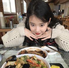 Image about kpop in lee jieun by  on We Heart It K Pop, Korean Girl, Asian Girl, Asian Woman, Sulli, Foto Pose, Gordon Ramsay, Korean Celebrities, Korean Actresses