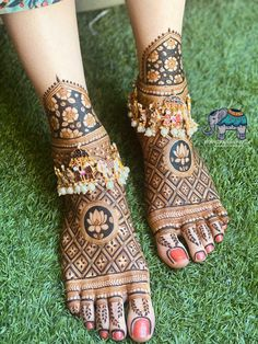 Engagement Mehndi Designs, Latest Bridal Mehndi Designs, Mehndi Designs 2018, Henna Art Designs, Mehndi Designs For Beginners, Wedding Mehndi Designs, Mehndi Designs For Hands, Wedding Henna, Leg Mehendi Design