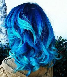 I would never dye my hair with such a bright color, but on her, it looks pretty…