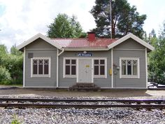 Riipan rautatieasema - Many old railway stations are fo sale Beautiful Buildings, All Over The World, Old Houses, Contemporary Design, Shed, Outdoor Structures, Finland, Old Homes, Lean To Shed