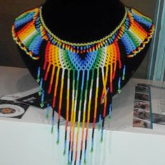 Collar ##colores #expoartesano #artesanias #artesaniasdecolombia #colombia #cultura #chaquiras #mostasillas #joya Collar Indio, Crochet Necklace, Beaded Necklace, Crochet Projects, Fun Projects, Collar Necklace, Bead Art, Beaded Jewelry, Jewellery