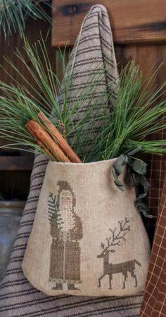 ~SANTA AND REINDEER POCKET~ SOLD   Primitive Handmades Mercantile