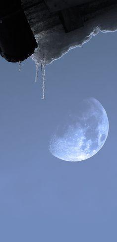 Moon & Ice