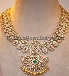 Latest Collection of best Indian Jewellery Designs. Indian Wedding Jewelry, Indian Jewelry, Bridal Jewelry, Indian Bridal, Mango Mala Jewellery, Kerala Jewellery, Temple Jewellery, Mango Necklace, Gold Necklace