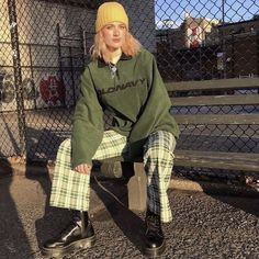 these pants are one of my fav thrift finds of Pretty Outfits, Cool Outfits, Look Fashion, Fashion Outfits, Girl Fashion, Fashion Women, Fashion Ideas, Facon, Look Cool