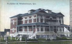 Presbytère de Saint-Jérôme de Métabetchouan vers 1910 Quebec, Saint, Multi Story Building, Museum, Canada, Mansions, House Styles, Historical Pictures, Antique Pictures