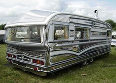 A motorhome, camper trailer or typically known as a journey trailer is a towed highway car which gives a spot to sleep or camp. The trailer has a numb. Retro Caravan, Vintage Campers Trailers, Retro Campers, Vintage Caravans, Retro Rv, Camp Trailers, Caravan Ideas, Gypsy Caravan, Vintage Motorhome