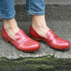Moma Loafer (rosy-red) shoes